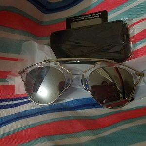 NWT Women's UV400 mirrored sunglasses